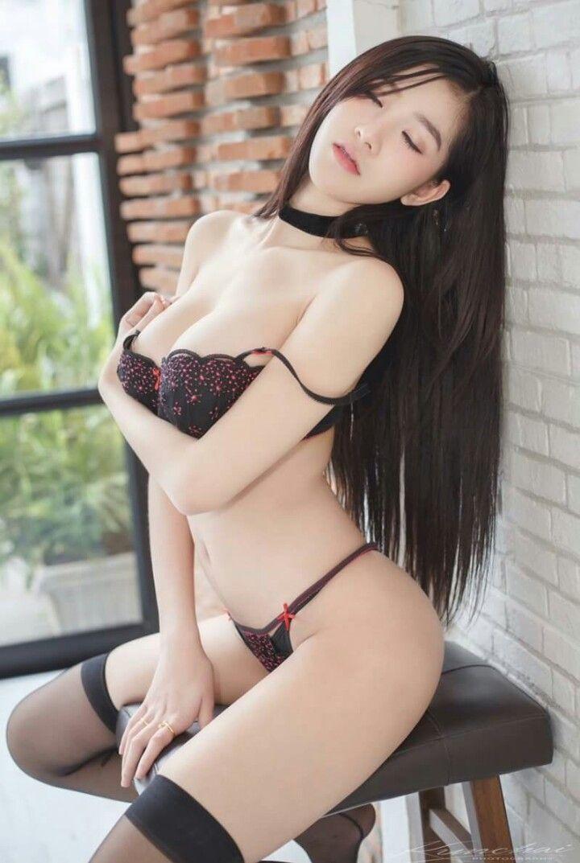 Hot sexy asian girl