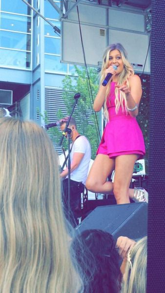 Kelsea Ballerini performing outside the venue before 1989 World Tour: Pittsburgh, Pennsylvania.