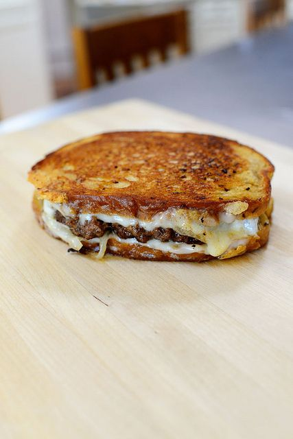 supper, but no rye bread for me! Patty Melts by Ree Drummon...saw them today and wanted one so badly! :(
