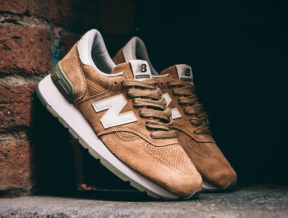 New Balance have launched a killer version of their M990 Heritage sneaker. The M990CER runner is from New Balance's Made in USA range, which reinvigorates some of the brand's most popular styles using classic colorways and more premium materials. The
