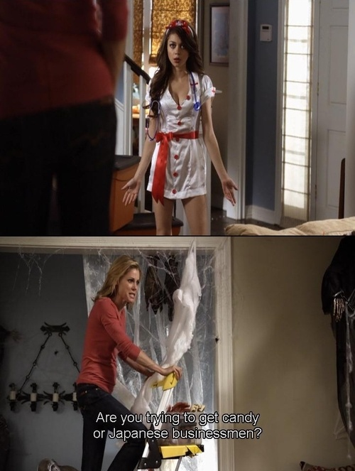 Claire's reaction towards haley's Halloween outfit #modernfamily