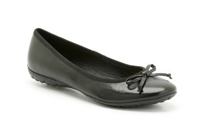 Get now latest stylish and fashionable women casual shoes in India at Clarks.in