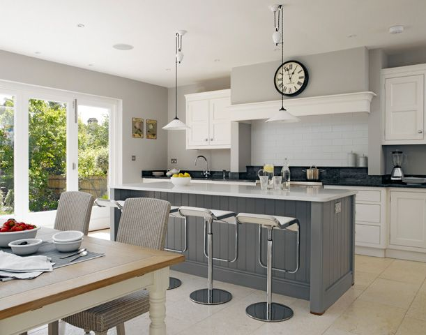 Wimbledon Villa - Handmade Kitchens   Traditional Kitchens   Bespoke Kitchens   Painted Kitchens   Classic Kitchens