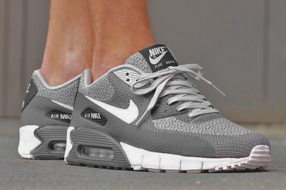 Are you ready for the Nike WMNS Internationalist Dove Grey ladies!