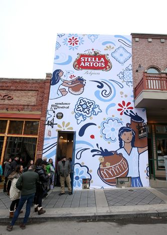 Café Artois: Stella Artois hosted its Café Artois from January 19 to 21 on Main Street. The activation, which was open to the public, hosted discussions and celebrations to honor people using film to inspire social change. Produced by Mosaic, the space invited festivalgoers from the outside with colorful illustrations surrounding the beer brand's logo.