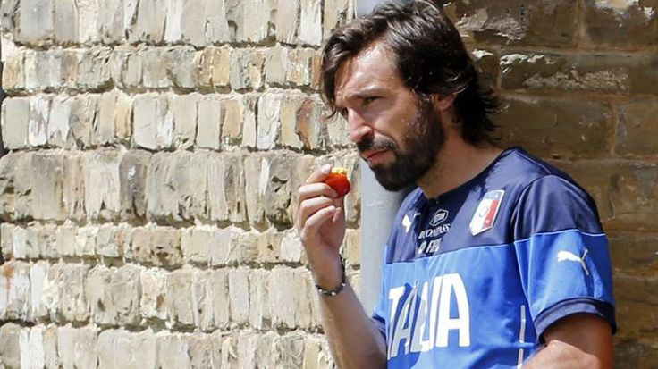 Andrea Pirlo eating a peach!