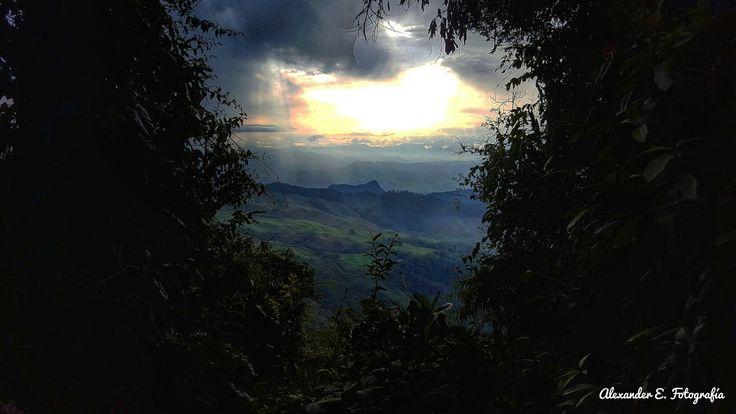 Sunshine from the top of the mountain cerro bravo antioquia Colombia suramerica love landscape ppaisaje
