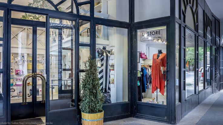 Laoni la Store - Designer Shop street view  http://www.budapestwithus.hu/laoni