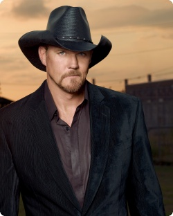 Trace Adkins- What a Country Legend