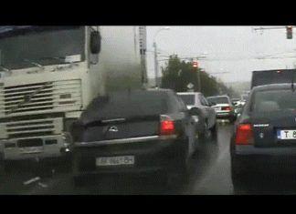 Авто катастрофы снятые на камеру. Подборка Аварий ДТП Грузовиков #2