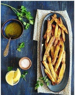 Фото к рецепту: Запеченный картофель по-гречески