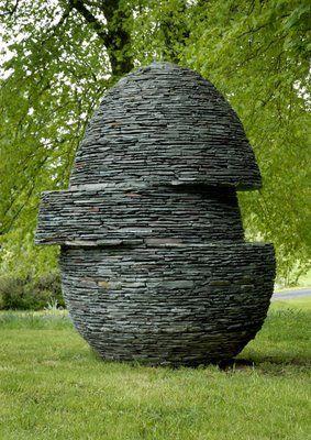 Andy Goldsworthy  Displaced Egg  ♥ Inspirations, Idées & Suggestions, JesuisauJardin.fr, Atelier de paysage Paris, Stéphane Vimond Créateur de jardins ♥