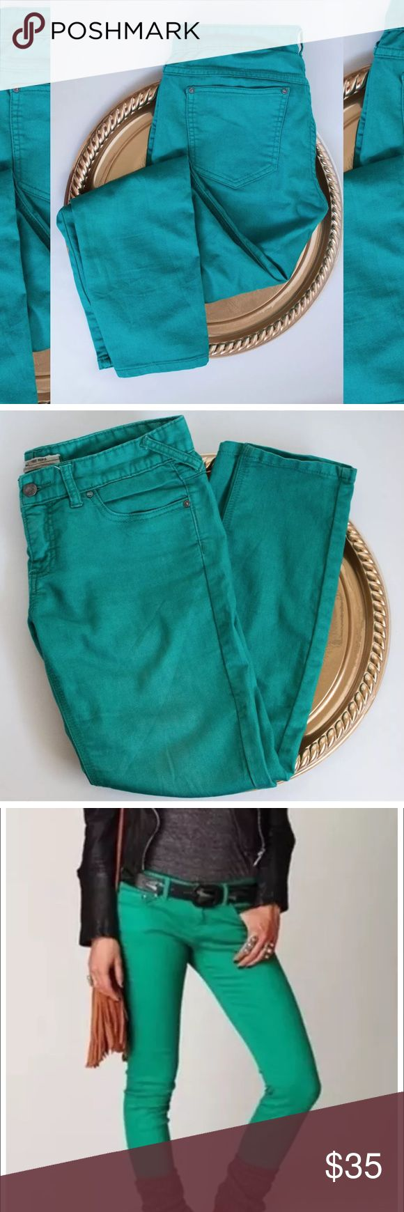 Free People 5 Pocket Skinny Jean Excellent condition Free People skinny jeans. Absolutely amazing color. Perfect for Spring! Photo on model shows accurate color. Thanks for looking! Free People Jeans Skinny