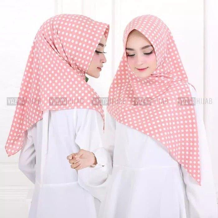 Triangle Segitiga Instant Polkadot Hijab Segitiga Instan Motif Polkadot Praktis Langsung Slup Tanpa Peniti Atau Jarum Pentul Namun Polkadot Hijab Jarum Pentul