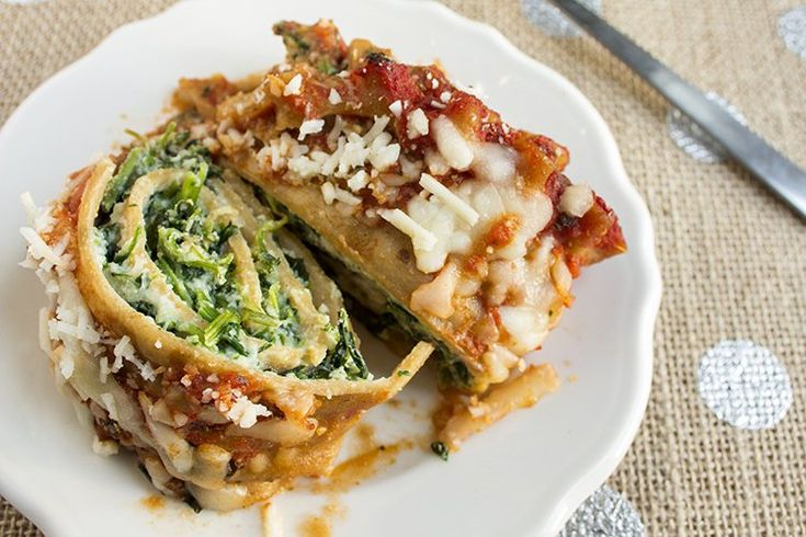skinny lasagna rolls recipe serves 8 and is low fat low calorie and vegetarian photo of top and inside