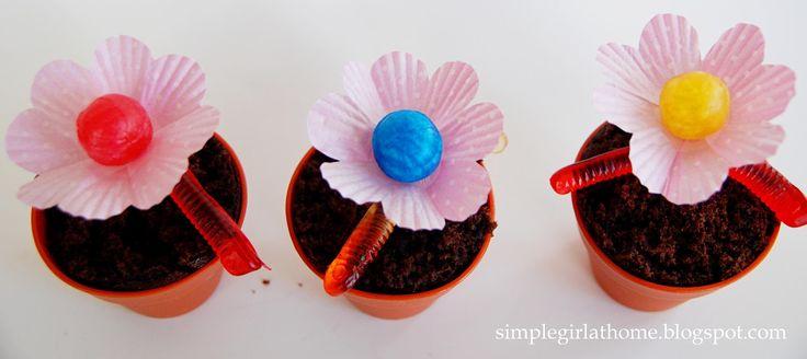 Simple Girl: Flower Pot Cupcakes