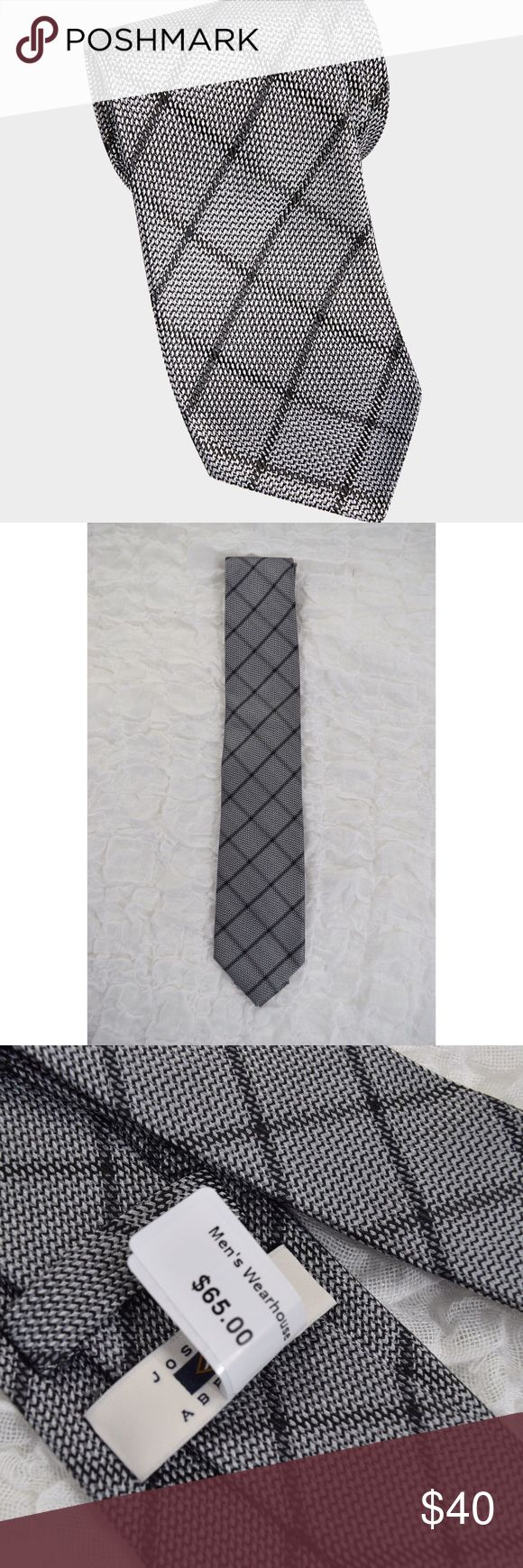 NWT Joseph Abboud Gray Diamond Check Neck Tie Joseph Abboud tie🔹Brand new with tags🔹MSRP $65🔹Gray And black diamond pattern🔹Narrow🔹3 inches wide at the widest part🔹100% silk🔹Smoke and pet free home Joseph Abboud Accessories Ties