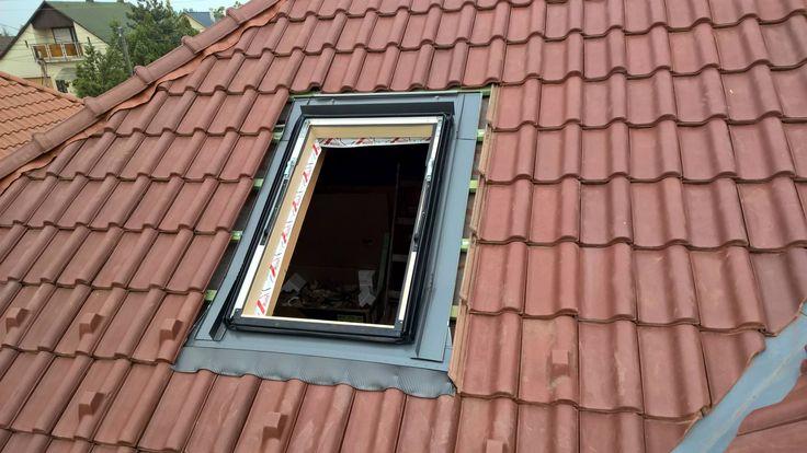 5. lépés. Burkolókeret felszerelése a tetőablakra.