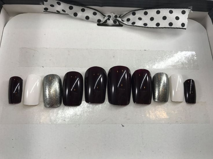 Press On Nails, Fake Nails, Glue On Nails, Artificial Nails, Acrylic Nails, Square, Active Length, Deep Mauve/White/Silver by PolishedBySueann on Etsy