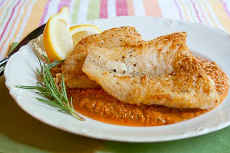 Pan Fried Fish with Roasted Red Pepper Sauce: Seared Cod, Red Peppers Sauces, Carino Italian, Grilled Copycat, Fish Dishes, Pan Seared, Roasted Red Peppers, Pan Fried Fish, Copycat Recipe