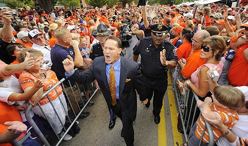 Auburn Tiger Walk (and Coach Gene Chizik)