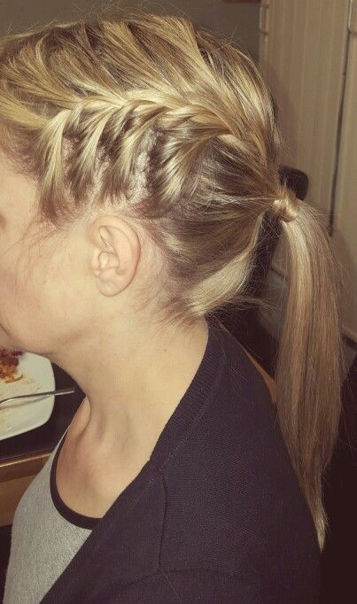 Side view of one of the sides of the french plaits