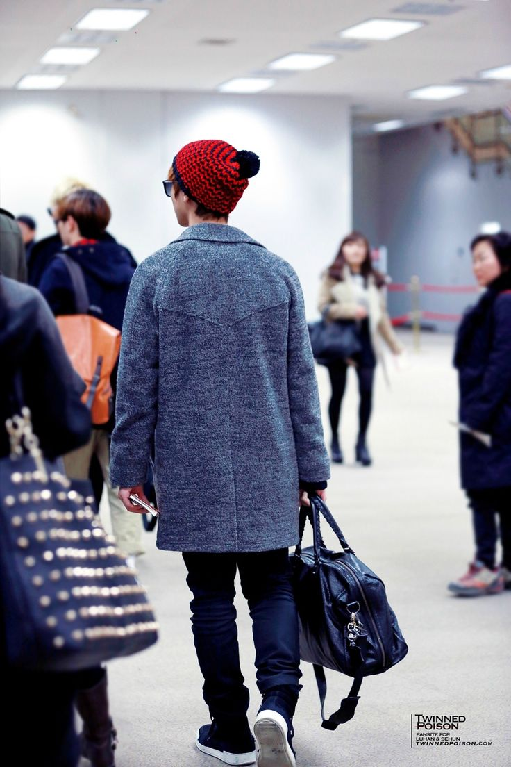 Luhan-131207Gimpo Airport, arrival from Beijing Credit:Twinned Poison.(김포공항 입국)