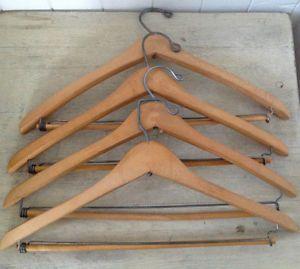 Anciens cintres en bois et fer