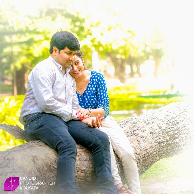 Candid Pre Wedding Photoshoots 2017 series 1 #IndianPreWeddingshootIdeas #BestPreWeddingShoot #preweddingshootpics #preweddingphotoshootpackage #postweddingphotoshootkolkata #preweddingphotographycost by #CandidPhotographerKolkata at #PrinsepGhat & #VictoriaMemorial, #Kolkata
