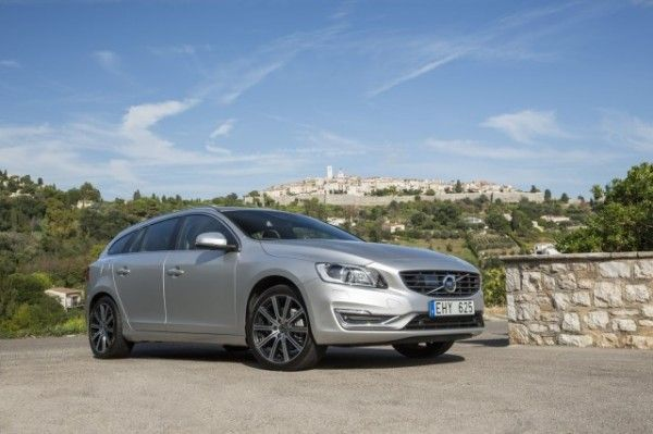 2015 Volvo V60 Wagon Images 600x399 2015 Volvo V60 Review Specs and Features