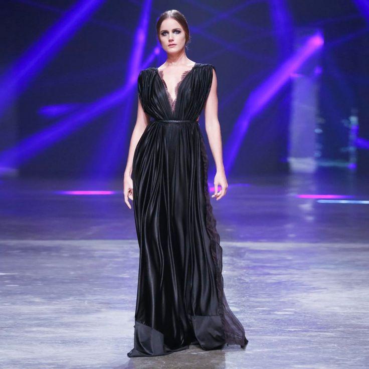 554 best Dresses For Prom images on Pinterest   Vestidos de noche ...