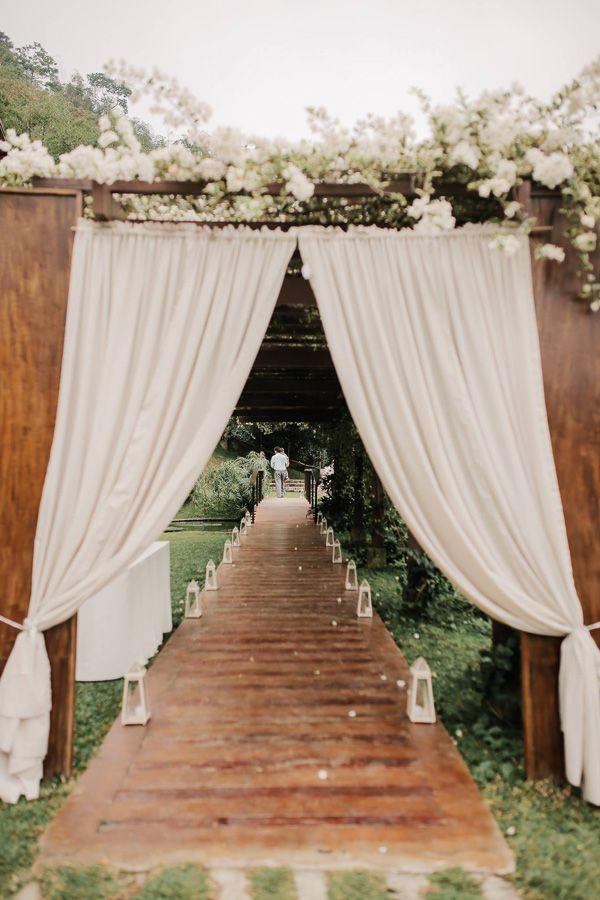 A Baby Blue Wedding in Tagaytay | https://brideandbreakfast.ph/2017/04/11/a-baby-blue-wedding-in-tagaytay/