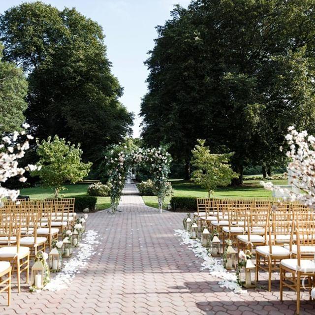 Unusual Wedding Venues Long Island 10 Best Https Dailybrisk Com Unusual Wedding Venues Long Islan Unusual Wedding Venues Unusual Weddings Ny Wedding Venues