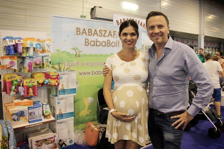Gönczi Gáborék is ellátogattak hozzánk! :) #babaszafaribababolt #pestibabaexpo #budapest #hungexpo #gönczigabor #gönczigaborapalesz #babystuff #pregnantwoman #prettypregnantwoman #prettypregnantrdress