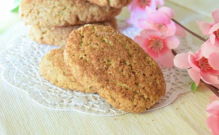 i biscotti integrali inzupposi sono la versione integrale dei biscotti da latte da inzuppo. Con farina integrale, zucchero di canna, uova, olio, latte.