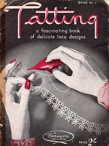 La frivolité -- tatting en anglais -- est une technique de dentelle à la navette composée de noeuds et de picots.