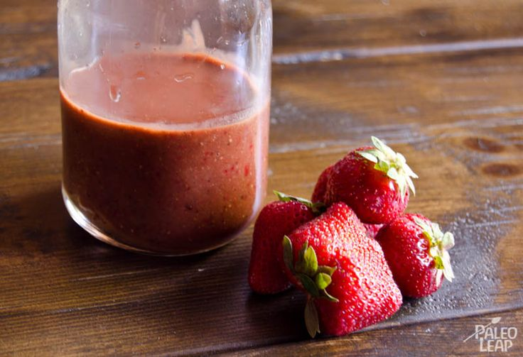 Strawberry Balsamic Vinaigrette Salad Dressing by Paleo Leap