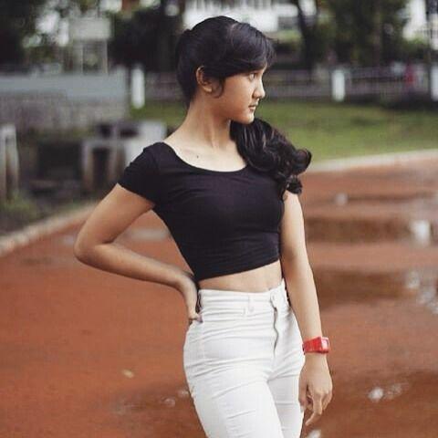 no caption  | www.olavids.com . . #igo #igocantik #olavids #ootd #pictoftheday #girl #teenagers #beauty #instadaily #insta #instagram #indonesia