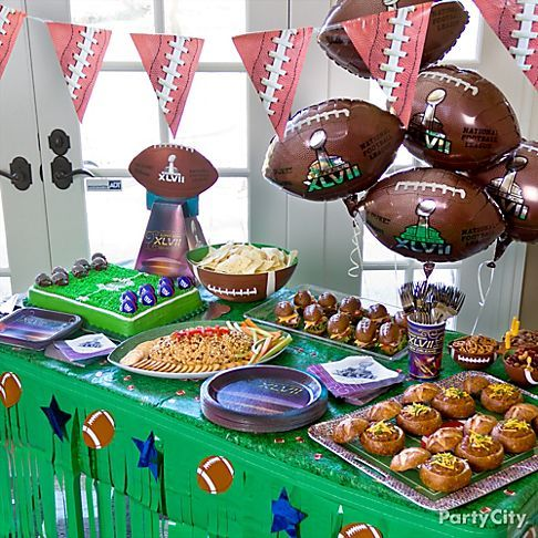 Stay out of the kitchen so you don't miss a minute of the game! Starting lineup: Easy ideas for winning Super Bowl party food. :)