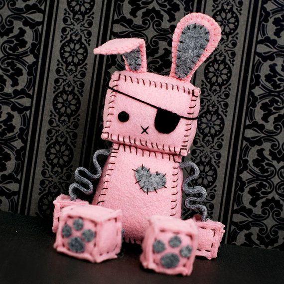 Pink Punk Robot Bunny con un parche en el ojo orejas por GinnyPenny