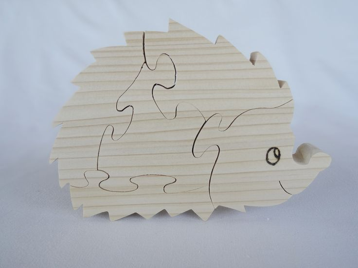 """puzzle en bois """"hérisson"""" en épicéa naturel découpé à la scie à chantourner"""