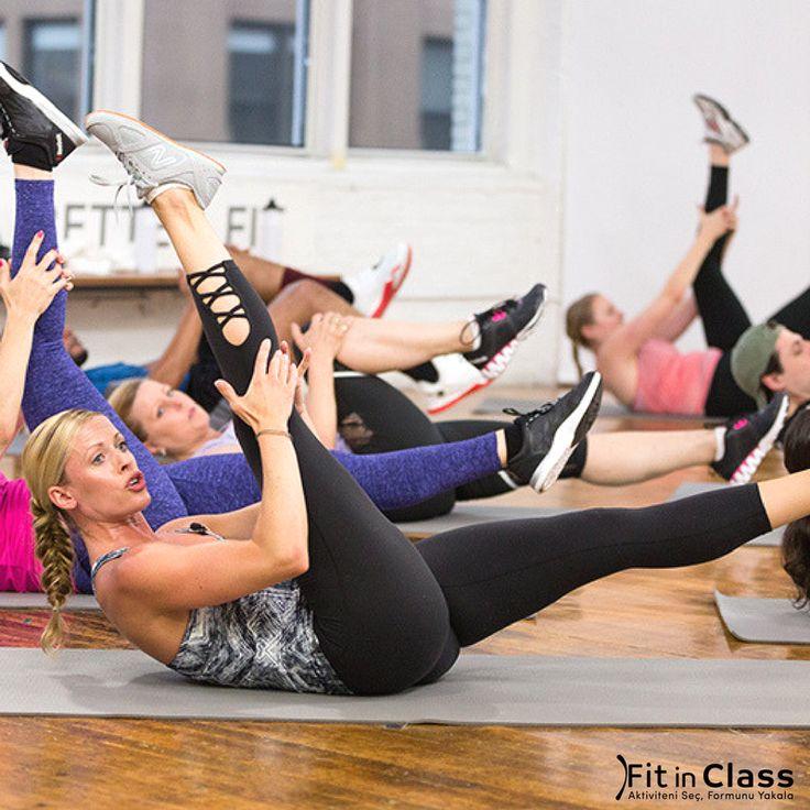 Düzenli egzersiz yapamayanlar ve günün çoğunu hareketsiz geçirenlerin şikayet ettiği en önemli şeylerden biri; vücutlarının yeterince esnek olmamasıdır. Esneklik kaybının vücuda vereceği en önemli zarar, gerilen kasların daha kırılgan ve sakatlığa meyilli hale gelmesidir. Haftada 2-3 gün yapacağın yoga ve pilates gibi kas esnekliğini artırıcı grup dersleri sayesinde esnekliğini geri kazanıp daha sağlıklı hale gelebilirsin. Farklı grup derslerine tek bir üyelikle katılmak istersen hemen üye…