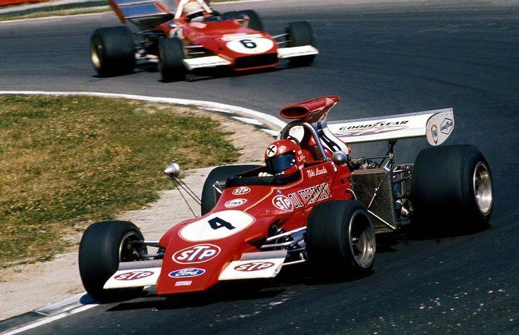 """Niki"" Lauda (AUT) (STP March Racing Team), March 721G - Ford Cosworth DFV V8 and Arturo Francesco ""Little Art"" Merzario (ITA) (Scuderia Ferrari), Ferrari 312B2 - Ferrari Tipo 001 3.0 Flat-12 (Great Britain 1972)"