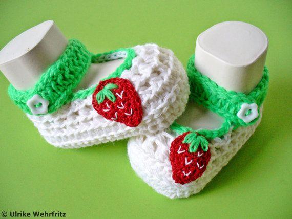 Babyschühchen Babyschuhe Erdbeere von diestrickerin auf Etsy, $15.00