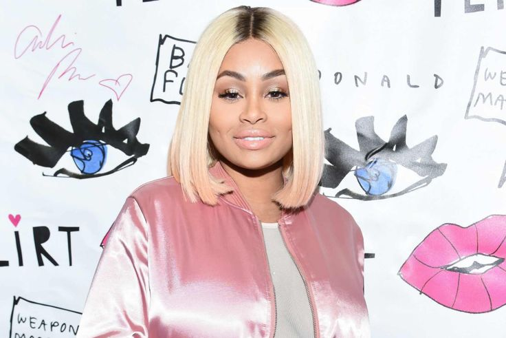 """Blac Chyna Spotted With Mystery Man Amid Rumors That She Is """"Working Things Out"""" With Rob! #BlacChyna, #Kuwk, #RobKardashian, #TheKardashians celebrityinsider.org #Entertainment #celebrityinsider #celebrities #celebrity #celebritynews"""