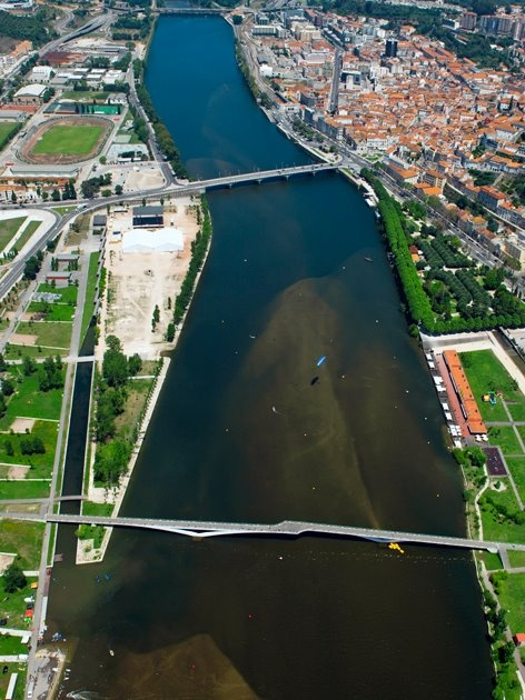 Coimbra, Mondego river, Portugal (photo by Francisco Pedro)