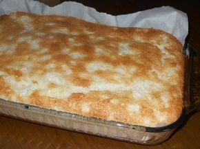 Ingrédients:    Enveloppe de poudre de gâteau des anges  1 boîte d'ananas broyés 19 oz     Mettre la poudre dans un grand bol  Ajouter la...