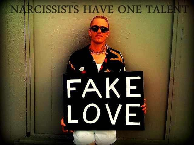 how to tell a narcissist he is one