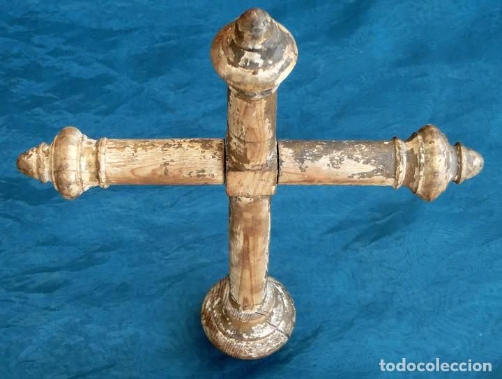 ANTIGUA CRUZ DE MADERA - S.XIX - SAGRARIO - TALLA RELIGIOSA - ALTAR - PAN DE ORO - CAPILLA - CRISTO (Antigüedades - Religiosas - Cruces Antiguas)
