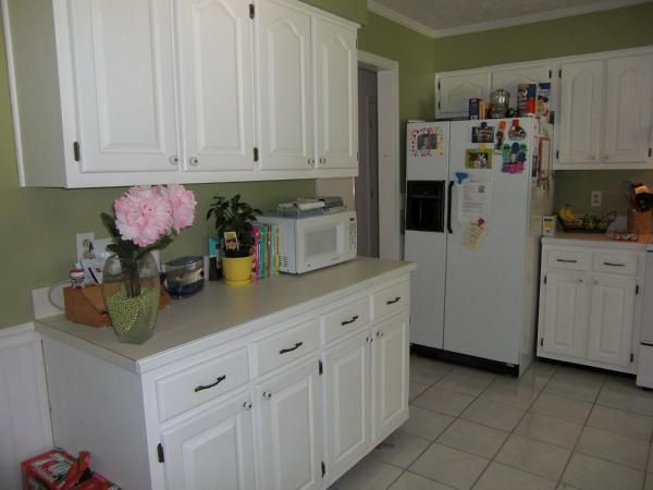 Kitchen Tile Flooring White Cabinets